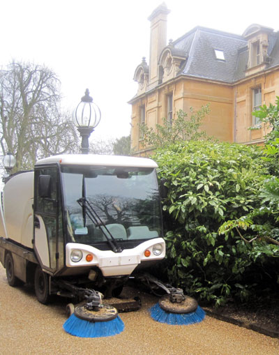 The Johnson Compact at Waddesden Manor near to Aylesbury.Arborfield sweeper hire, Aldermaston sweeper hire, Ascot sweeper hire, Basingstoke sweeper hire, Barkham sweeper hire, Basildon sweeper hire, Bearwood sweeper hire, Beech Hill sweeper hire, Beedon sweeper hire, Beenham sweeper hire,