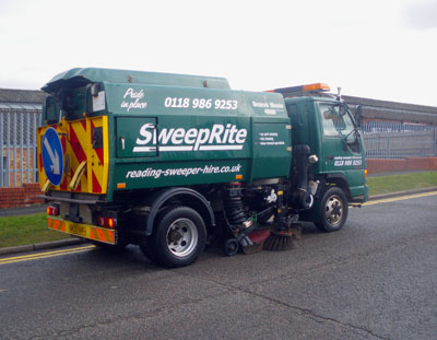 Keep your premises in top condition with regular sweeping. If you have car parks, drives, paths, yards or any paving they will need to be kept free of weeds and rubbish. Look great when customers call with either a one-off sweep or regular maintenance from SWEEPRITE of Reading. Vehicle is a Johnson Compact.